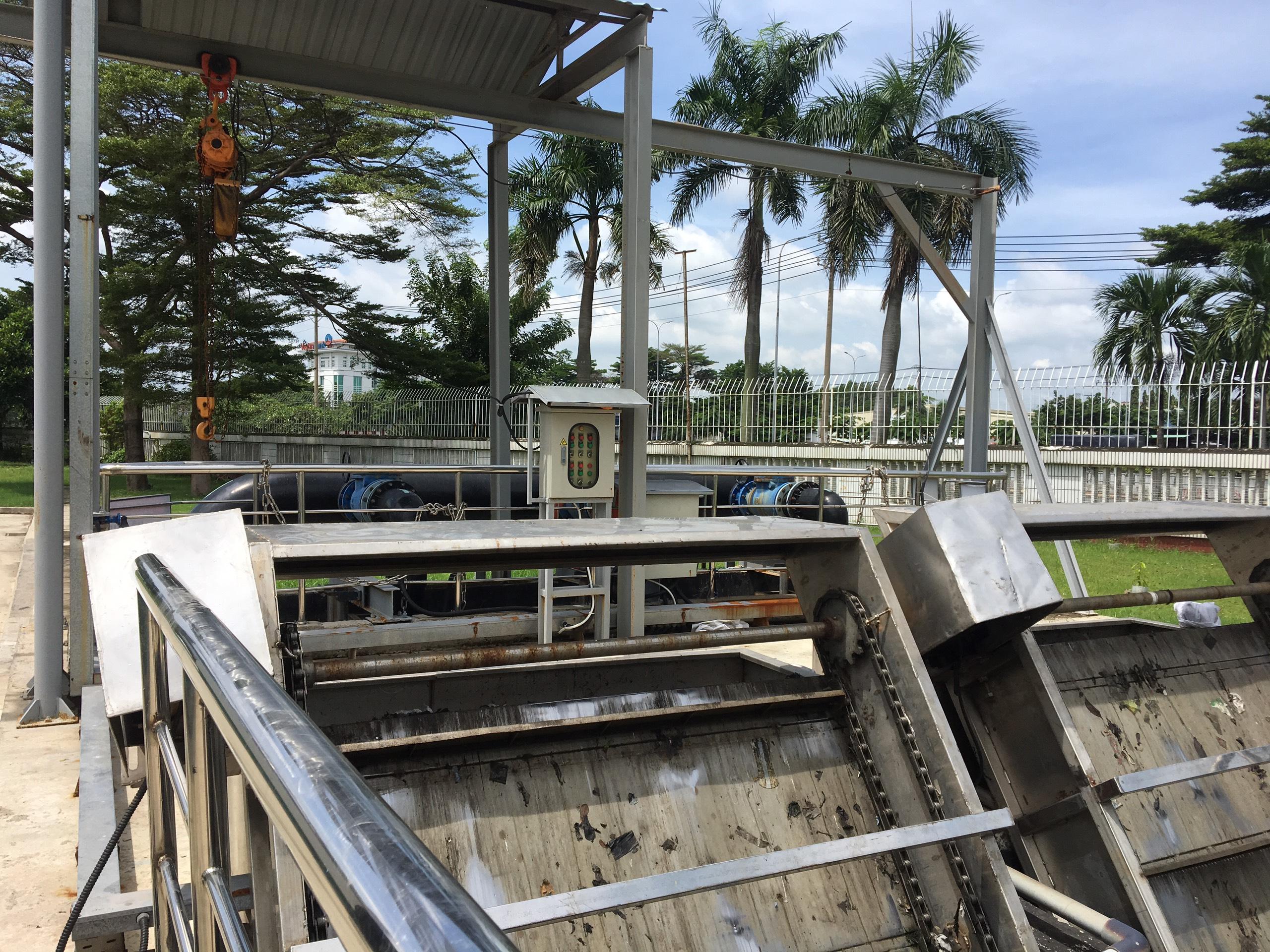nên thiết kế hệ thống xử lý nước thải âm hay nổi ?